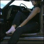 Nikki Revving Torino in Boots & Barefoot