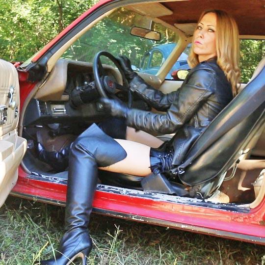 Cassandra Revs the Camaro – #538