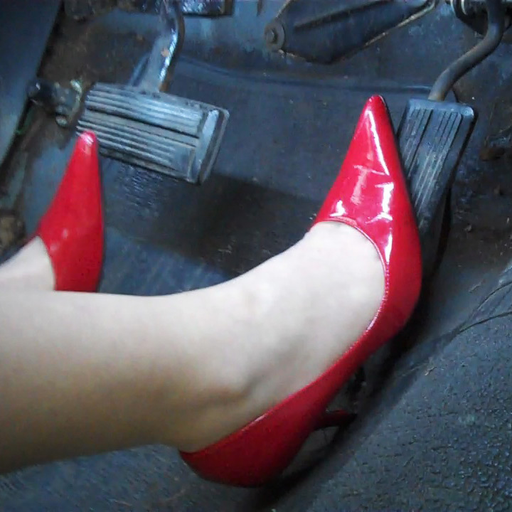 PTP592 – Cassandra Drives & Revs the '74 Dodge Coronet for You in Shiny Red Pleaser Pumps – Custom 592