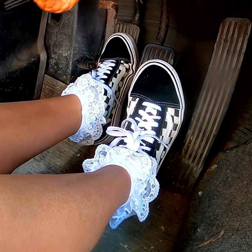 PTP1307 – Jane Domino Takes You for a Drive & Stalls a Lot in 'Old Skool' Vans Sneakers – Custom 1307