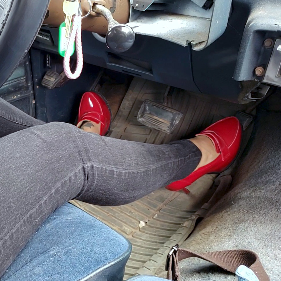 PTP1315 – Jane Domino Sneaks Out in Parents Old Car to Meet Boyfriend, Car Trouble Gets Her Busted! – Custom 1315