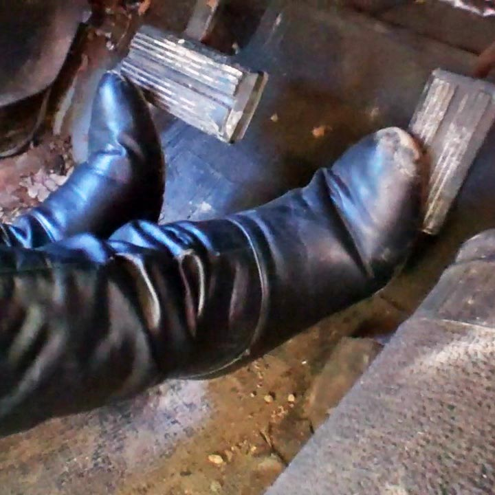 Brooke Starts Some Cars in Dark Jeans & Dirty Casual Boots