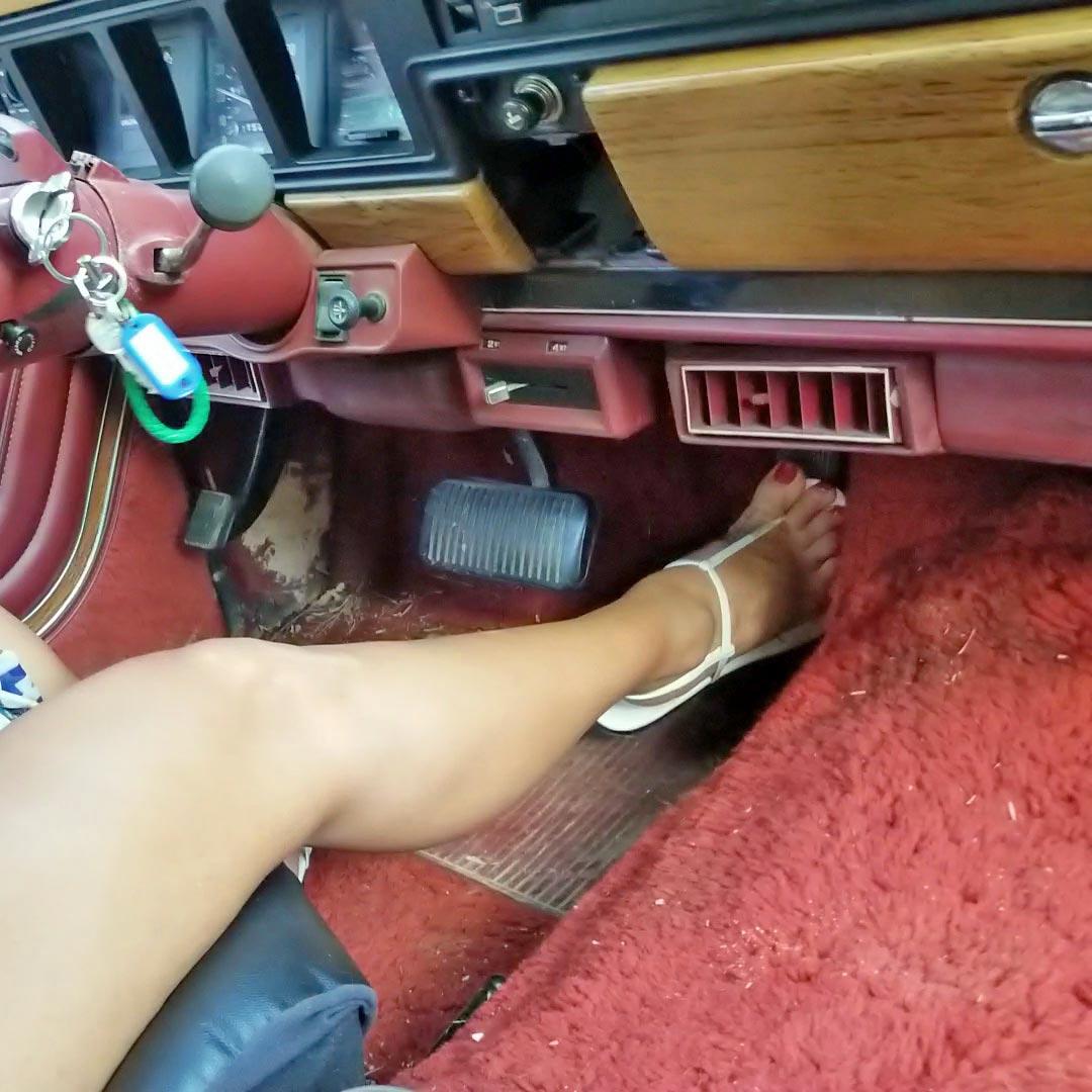 Jane Domino Side-Slit Beach Dress & White Thong Sandals Flooring