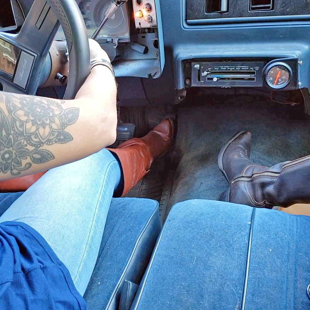 Jane & Vivian Go to Grab the Caddy Boots Over Jeans, 1 of 3